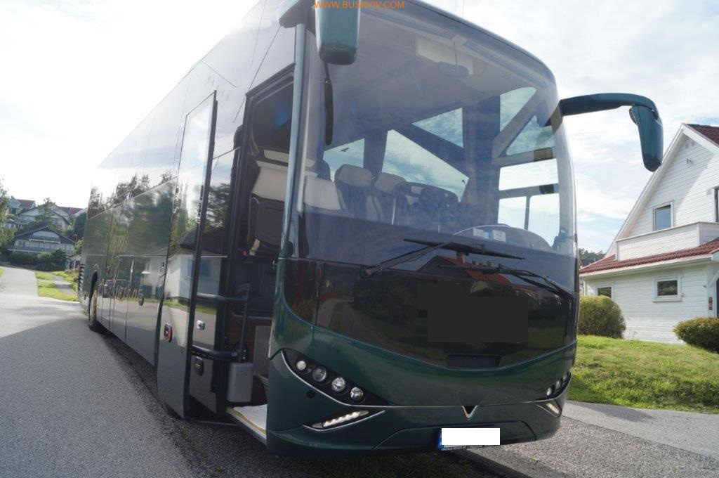 2012_viseon_c12hd_vip_bus_2